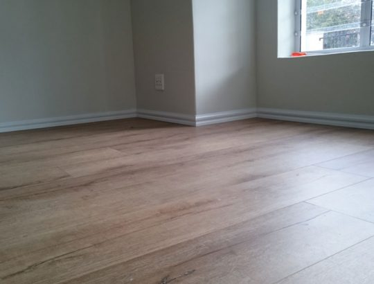 bedroom-laminate-flooring-fitted