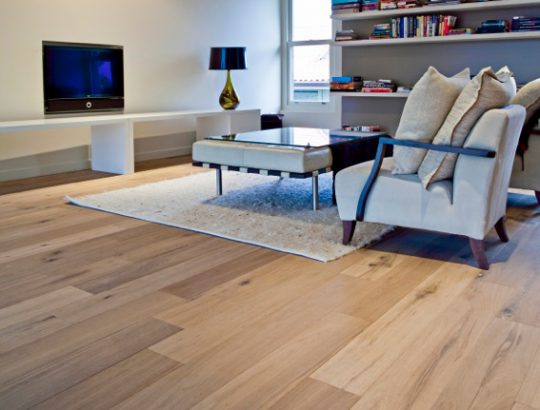 euro-rustic-oak-wood-flooring