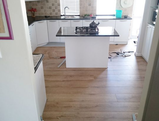 kitchen-fitted-with-laminate-flooring-cape-town-sunningdale