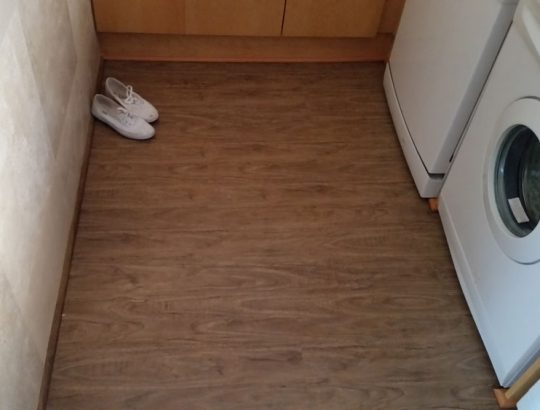 laminate-flooring-kitchen-tumbledryer